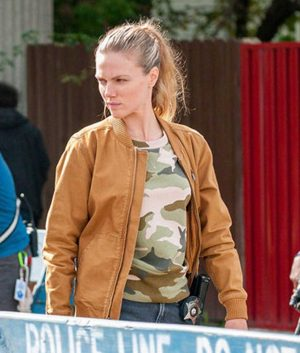 Chicago P.D. S07 Ep7 Hailey Upton Jacket
