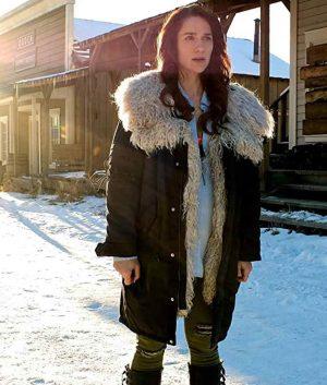 Melanie Scrofano Wynonna Earp S04 Coat