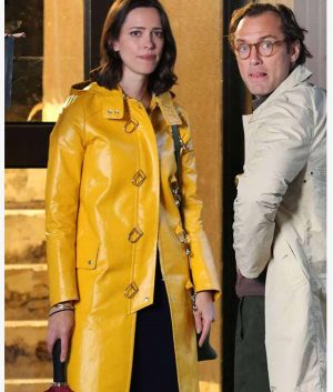 A Rainy Day In New York Elle Fanning Yellow Leather Coat