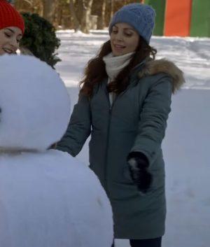 ONE SNOWY CHRISTMAS Blanca Snow Coat